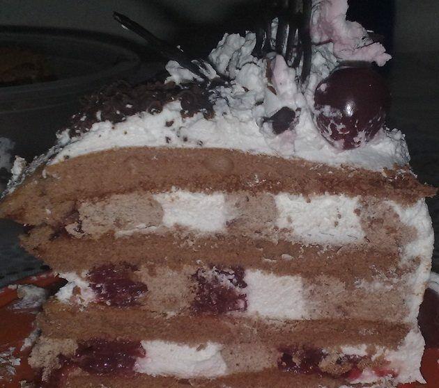 Fekete erdő torta szelet