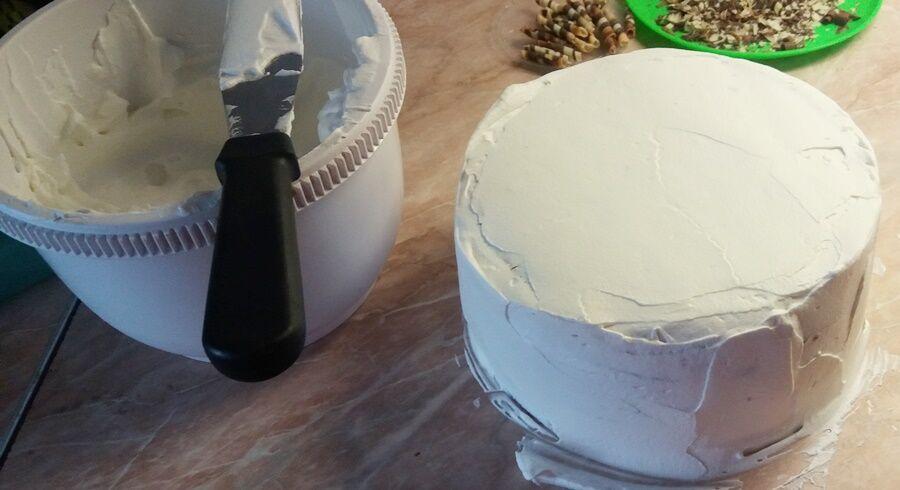 Tejszínnel bevont torta