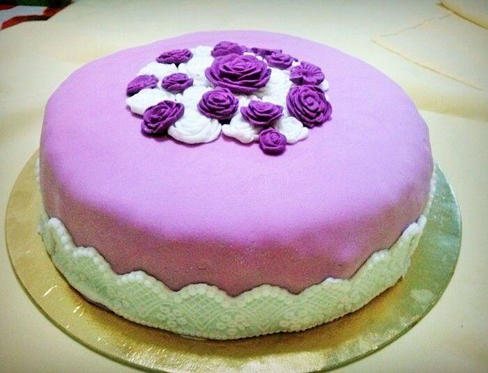 tortadíszítés házilag rózsás torta