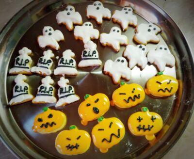 Mázas Halloween aprósütik