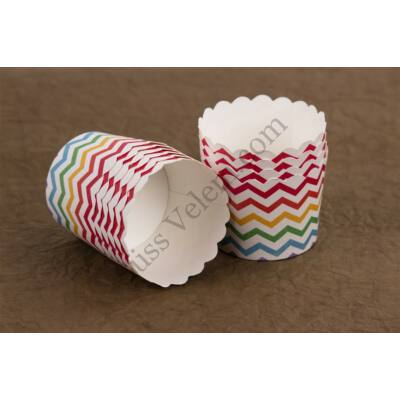 28 db keményfalú 6 cm-es csíkos muffin papír