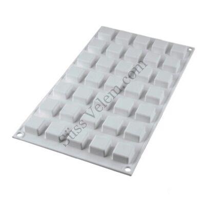35 adagos kocka alakú szilikon bonbon forma