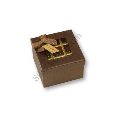 Emeletes bonbon doboz