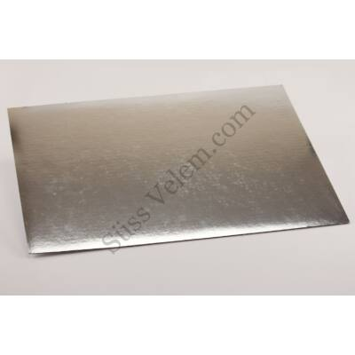 Ezüst színű, téglalap alakú tortakarton 30*40 cm