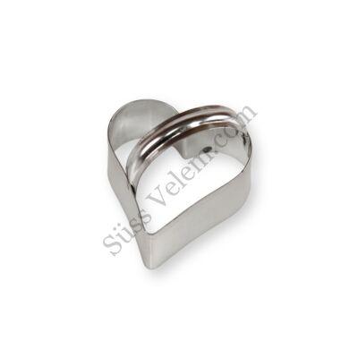 Kis fém szív alakú kiszúró