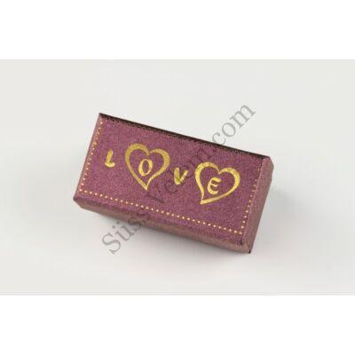 Kis méretű bonbon doboz Love felirattal