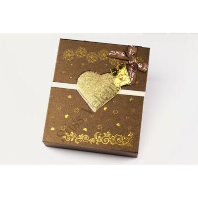 Mágnesesen záródó barna bonbon doboz szalag füllel
