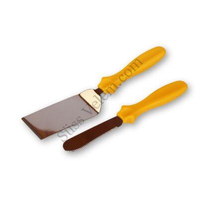 Színes nyelű süteménylapát kis méretű spatulával