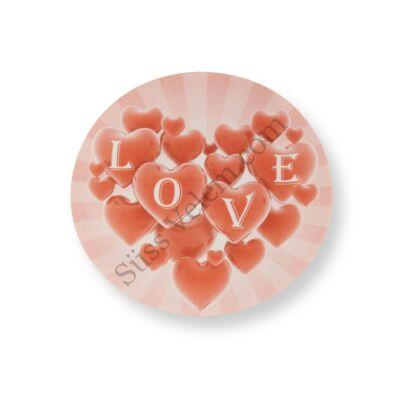 Sok szív LOVE felirattal tortaostya