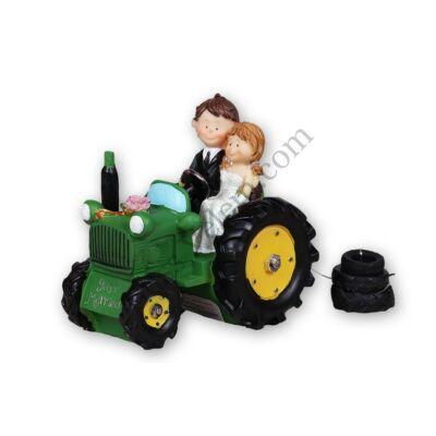 Traktoros esküvői tortadísz
