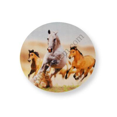 Versengő lovak tortaostya