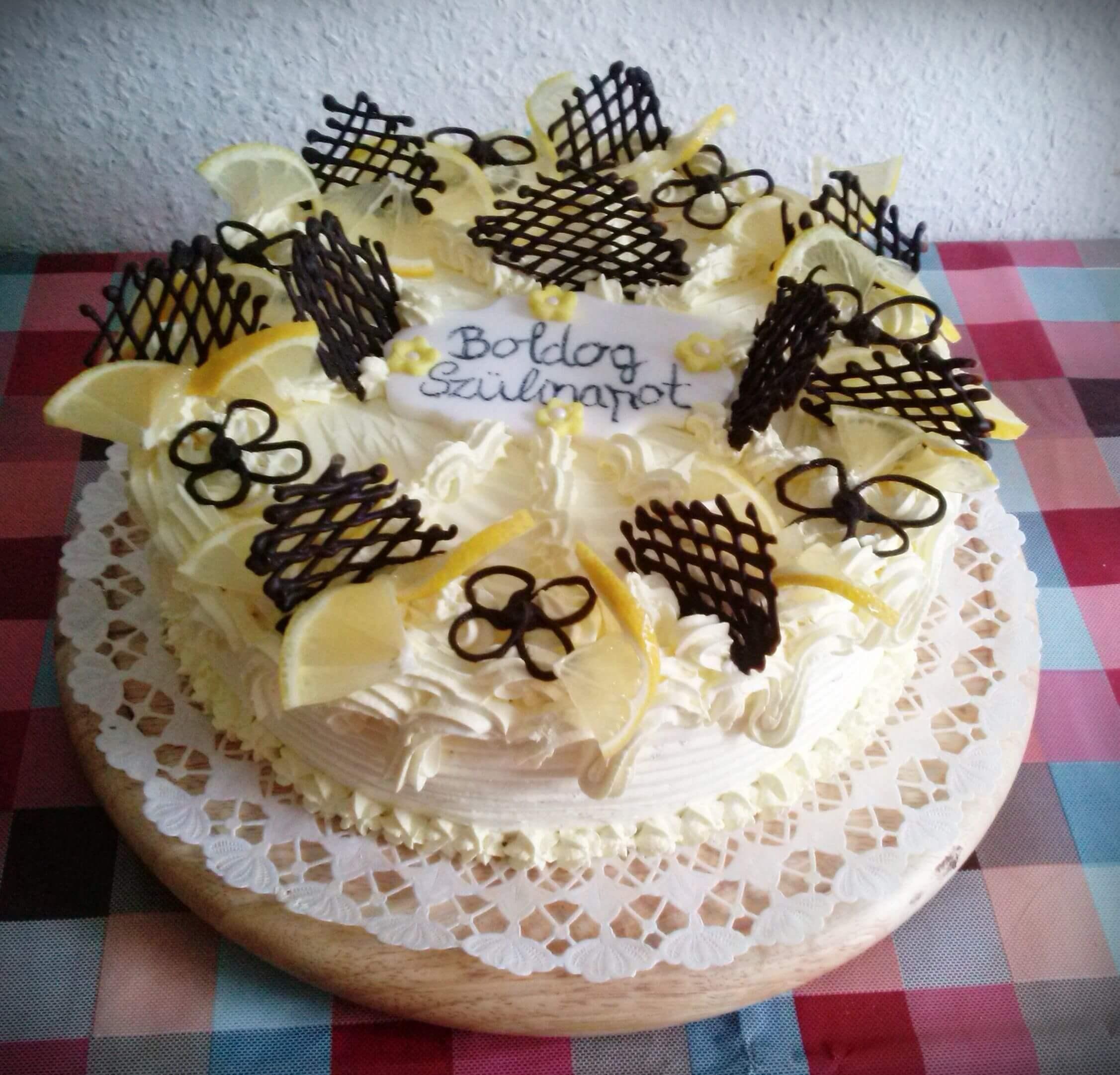 Fekete tini krém torta